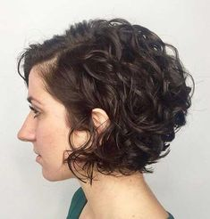 65 Different Versions of Curly Bob Hairstyle Jaw-Length Side-Parted Curly Bob – Farbige Haare Bob Haircut Curly, Angled Bob Hairstyles, Short Curly Bob, Haircuts For Curly Hair, Curly Hair Cuts, Short Hair Cuts, Hairstyle Short, Korean Hairstyles, Latest Hairstyles