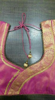 Blouse back design Salwar Neck Designs, Saree Blouse Neck Designs, Dress Neck Designs, Designs For Dresses, Sleeve Designs, Patch Work Blouse Designs, Simple Blouse Designs, Stylish Blouse Design, Designer Blouse Patterns