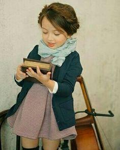 Nunca é cedo demais para estimular a criança no hábito da leitura !
