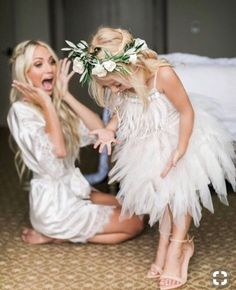 Low Back Satin Wedding Dresses Flower Girls, Flower Girl Photos, Flower Girl Dresses, Wedding Dress Organza, Wedding Gowns, Wedding Bride, Wedding Lingerie, Bouquet Wedding, Boho Wedding