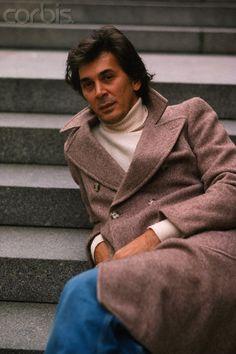 Frank Langella 1979 (looks like you- know- who!!)