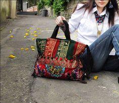http://www.anacondemoda.es/productos/bolso-datura