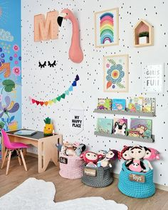 Stylish & Chic Kids Room Decorating Ideas - for Girls & Boys Perfect kids room organization ideas clutter // kids room wall painting and decorations Baby Bedroom, Girls Bedroom, Ideas Habitaciones, Room Wall Painting, Room Paint, Diy Painting, Kids Room Organization, Playroom Ideas, Colorful Playroom
