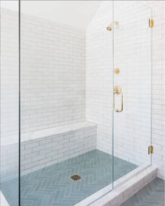 Refined in format and rustic in texture, MODERN FARMHOUSE BRICK is the perfect blend of functionality and simple, rough-hewn style. Glossy and bright white with slight color variation, this glazed… Bad Inspiration, Bathroom Inspiration, Bathroom Ideas, Bathroom Organization, Shower Ideas, Bathroom Storage, Countertop Organization, Shower Bathroom, Boho Bathroom