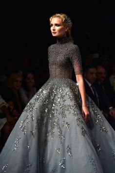 "velvetrunway: Michael Cinco F.W 2017 @ Dubai. - velvetrunway: ""Michael Cinco F.W 2017 @ Dubai Posted by x "" Floral Wedding Gown, Wedding Gowns, Floral Gown, Wedding Blog, Fall Wedding, Style Couture, Couture Fashion, Beautiful Gowns, Beautiful Outfits"