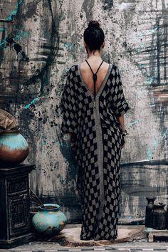Desert Kaftan dress elegant boho/chic beachwear free-size . Ibiza Fashion, Beachwear Fashion, Bohemian Mode, Boho Chic, Elegant Dresses, Pretty Dresses, Boho Outfits, Fashion Outfits, Bohemian Schick