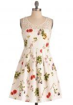 Sasha's white floral dress