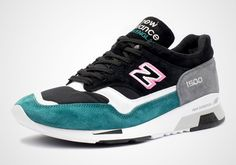 Always a favorite model of New Balance aficionados, the 1500 returns once again with a fresh new look for summer in white, pink, and teal suede. Adding to the ongoing pink colorway trend, the shoe features bright pink suede around … Continue reading →