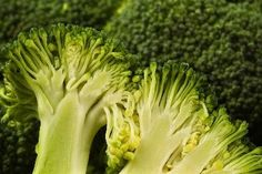 Diet To Improve Healing Of Bone Fractures | LIVESTRONG.COM  I have been eating spinach and broccoli salads A LOT lately. :)