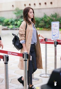 Snsd yoona airport fashion style snsd airport fashion yoona, snsd и pakaian Snsd Fashion, Girl Fashion, Fashion Outfits, Travel Outfits, Fashion 2016, Fashion Black, Hijab Fashion, Fashion Ideas, Korean Airport Fashion