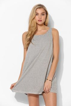 Lucca Couture Daisy Shift Dress - Urban Outfitters