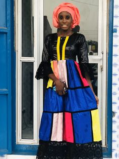 African Outfits, Snow White, Disney Characters, Fictional Characters, Disney Princess, Model, Dresses, Mirrored Wardrobe, Closets