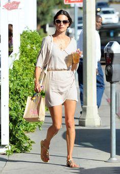 Alessandra Ambrosio compras em Los Angeles, CA - 13 de maio de 2014