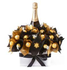 Diy wine n chocolate bouquet Chocolates Ferrero Rocher, Ferrero Rocher Bouquet, Valentine Gifts, Holiday Gifts, Valentine Ideas, Sweet Trees, Wine Gift Baskets, Basket Gift, Champagne Gift Baskets