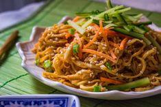 Kohlroabi sesame noodles