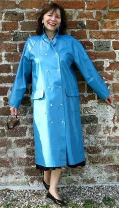 Juin 2012 Blue Raincoat, Plastic Raincoat, Pvc Raincoat, Imper Pvc, Rain Bonnet, Pvc Coat, Rain Coats, Rain Gear, Raincoats For Women
