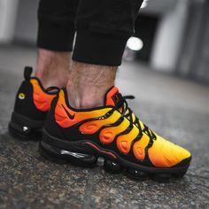 Nike Air Vapormax Plus Schuhe Behalten, Hypebeast, Bunte Schuhe, Turnschuhe  Nike, Männliche 9745f7415a