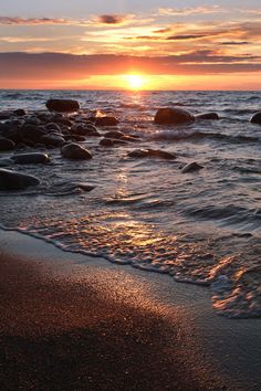 Beautiful Places in the world Beautiful World, Beautiful Places, Landscape Photography, Nature Photography, Foto Picture, Beautiful Sunrise, Am Meer, Belleza Natural, Nature Pictures