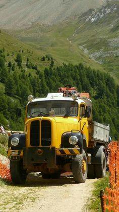 Trucks, Cars And Motorcycles, Sim, Switzerland, Antique Cars, Transportation, Europe, Vintage, Bern