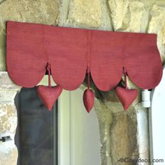 Cantonniere Rouge Coeurs decoration Cuisine Cosydeco.com #cantonniere #coeur #rideaux #rouge
