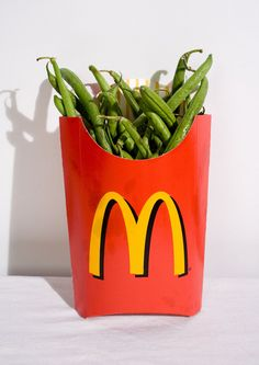 1 Large Carton French fries 500 Calories, 1 Cup Green beans 34 Calories - You do the math. Metabolism Boosting Foods, Speed Up Metabolism, Health Tips, Health And Wellness, Health Fitness, Health Care, Mcdonald French Fries, Get Healthy, Healthy Recipes