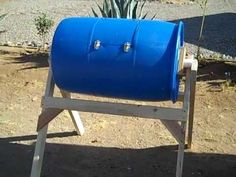 The most well-designed Home-Made Compost Tumbler I've seen. I would add handles, but other than that it's perfect.