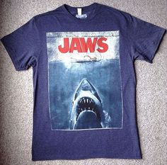 Mens(Med) JAWS MOVIE COVER POSTER TEE Dark-Heather-Blue&Red/White Shark…