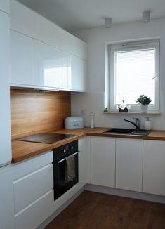 Znalezione obrazy dla zapytania minimalistyczna biała kuchnia Kitchen Design Small, Kitchen Remodel Small, Kitchen Design, Kitchen Inspirations, Home Decor Kitchen, Kitchen Room Design, Kitchen Interior, Kitchen Furniture Design, Modern Kitchen Design