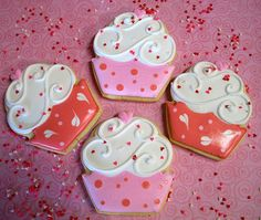 Valentines-Day-Themed-Cupcakes.jpg 500×423 pixels