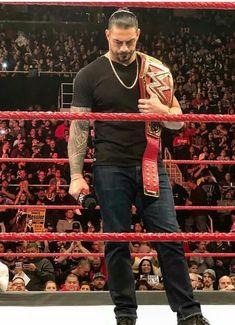 We miss you Roman! Roman Reigns Wrestling, Wwe Roman Reigns, Roman Reigns Superman Punch, Roman Regins, The Shield Wwe, Wwe World, Wwe Superstars, Roman Empire, Big Dogs