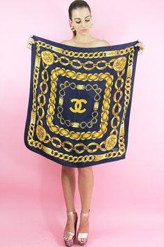 7de04c056f53 Chanel blue and gold Foulard, Haut Foulard, Styles Écharpe, Foulards De Soie