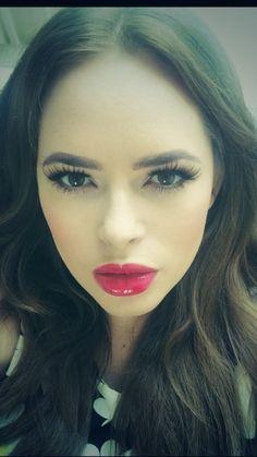 Her makeup is amazing! Love Tanya Burr!!!