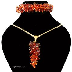 pendant and bracelet made of amber دستبند و آویز ساخته شده از کهربا