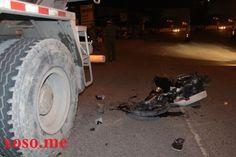 Sau va chạm giữa xe bồn và xe máy, xe máy bị xe bồn cán nát khiến người đàn ông điều khiển xe máy nguy kịch  Xem thêm tại: http://xoso.me/tin-tuc/va-cham-giua-xe-bon-va-xe-may-nguoi-dan-ong-nguy-kich-n3187.html#ixzz3sbq5ue8a