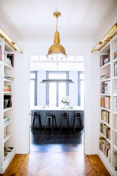 Decorating+Ideas+for+Your+Home's+5+Smallest+Spaces+via+@domainehome