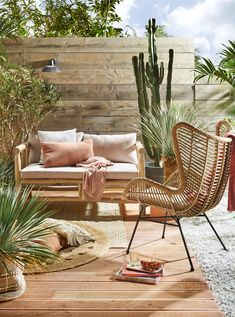 Stone patio terrace and patio terraced house. Pretty up your patio and dress up your decking with these glorious terrace decorating ideas. Outdoor Spaces, Outdoor Chairs, Outdoor Living, Outdoor Decor, Garden Furniture, Outdoor Furniture Sets, Rustic Furniture, Furniture Ideas, Modern Furniture