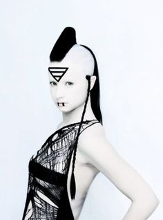 Cyberpunk fashion, cyber girl, cyberpunk girl, futuristic style, cyerpunk look, cyber look, futuristic girl, future fashion, hair, hairstyle by FuturisticNews.com