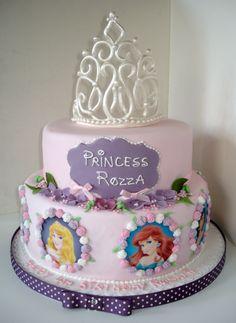Disney Party ideas:  Disney princess cake