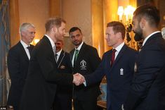 Prince Harry was seen meeting members of the English, Bangladeshi and Indian cricket teams as he attended the Queen's annual royal garden party at Buckingham Palace today Prince Harry Photos, Prince Harry And Meghan, Queens Garden Party, World Cup Teams, Icc Cricket, Prinz Harry, Royal Garden, Cricket World Cup, Princess Beatrice