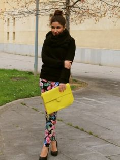 sandravazquez Outfit   Primavera 2012. Combinar Pantalones Rosa Fucsia Sheinside, Bolso Amarillo Zara, Cómo vestirse y combinar según sandravazquez el 6-5-2012