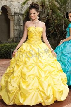 i would love to wear this dress and be Belle from Beauty n the Beast! Perfect ball gown!