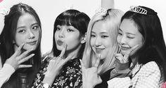 Pink Wallpaper Computer, Lisa Blackpink Wallpaper, Black Wallpaper, Kpop Girl Groups, Korean Girl Groups, Kpop Girls, Yg Entertainment, Youtube Blackpink, Happy 4th Anniversary