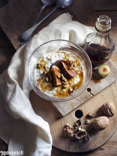 Ulrika Ekblom - Photography - Food, nature, flowers and art photography Fig Recipes, Food Presentation, Custard, Food Styling, Food Photography, Oatmeal, Brunch, Pudding, Yummy Food