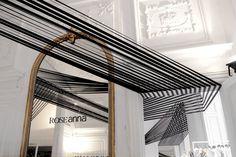 """Présenté il y a quelques temps pour sa magnifique installation Les Voûtes filantes, l'Atelier YokYok vient de nous faire parvenir sa dernière réalisation intitulée """"Haute Tension"""", une installation en noir et blanc, tout aussi graphique et réussie que la précédente ! Le projet a été fait en 3 jours avec 18x100m de sangles noires en continu, tendues. Le lieu est un appartement du XVIIè siècle de l'Hôtel de Sauroy dans le Marais. L'appartement dit """"de la lanterne"""" a appartenu à Michel de..."""