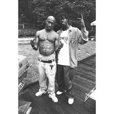 Shout out to @chimodu for sharing this rare pic of Tupac from Stone Mountain GA 1994  #thuglife #wtdr #westcoast #deathrowrecords #straightoutta #tupac #chimodu #hiphophistory #welcometodeathrow #documentary #book #booklove #legit #rare_footage