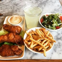 keekscj #100HappyDays #day85 it's always food #chicagoribshack