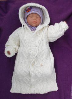 Купить Конверт с аранами - белый, однотонный, для новорожденного, для новорожденных, одежда для новорожденных, комбинезон, вязание спицами