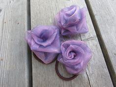 kangasruusu, sifonkiruusu, tilkuista diy fabric rose http://kangaskorjaamolla.blogspot.fi/2016/06/tilkut-hyotykayttoon.html