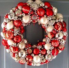 I have a red door, so maybe this would look great with green and cream/white balls. Love this idea of using vintage ornaments. Would be fun to create wreaths for the house using ornaments passed down through the generations. Wreath Crafts, Diy Wreath, Christmas Projects, Holiday Crafts, Christmas Holidays, Wreath Ideas, Christmas Mantles, Christmas Trees, Christmas Ornament Wreath
