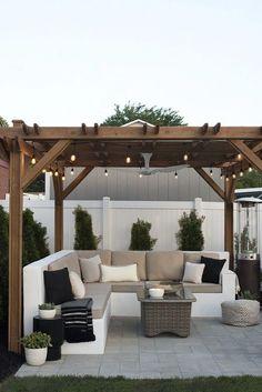 The Happiness of Having Yard Patios – Outdoor Patio Decor Backyard Patio Designs, Pergola Patio, Diy Patio, Backyard Gazebo, Pergola Kits, Modern Pergola, Back Yard Patio Ideas, Corner Patio Ideas, Cool Backyard Ideas